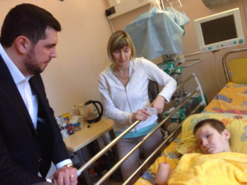 Visit to child victims of Ukrainian army bombs