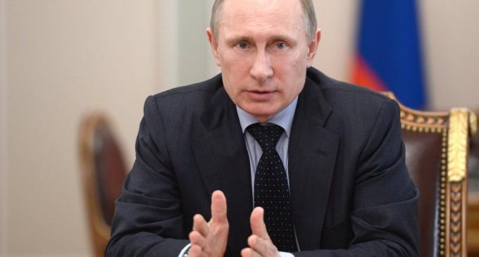 Путин: против России войны нет, но точно есть попытка ее сдержать
