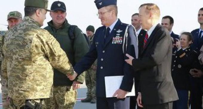 Порошенко пришел с оружием на встречу к представителям США