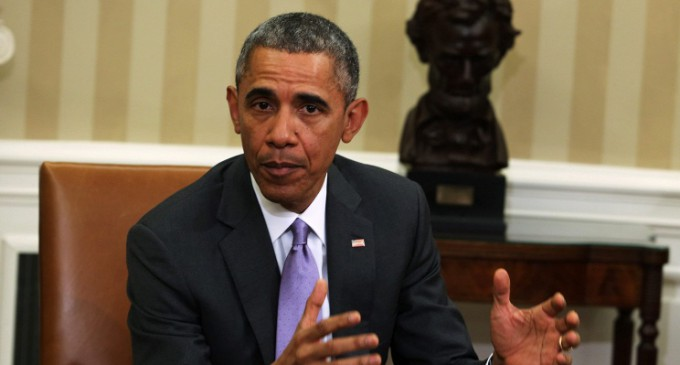 Обама продлил еще на год американские санкции против Ирана