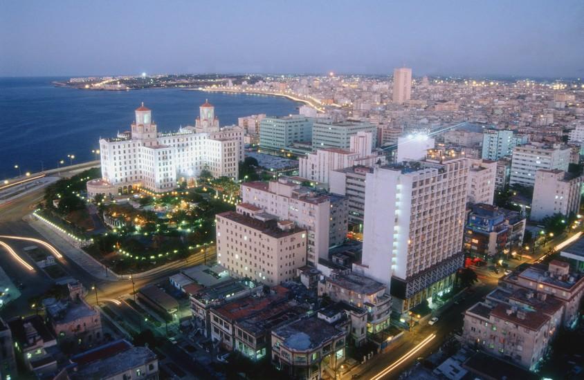 СМИ: туристы спешат на Кубу, «пока туда не пришли США»
