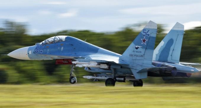 Минобороны: самолет-разведчик США направлялся к границе РФ, поэтому его облетел Су-27
