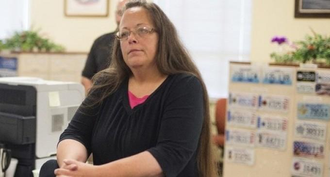 Демократия по-американски: арестовали сотрудницу ЗАГСа за её отказ в регистрации однополых браков