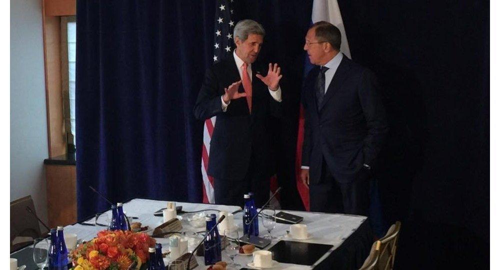 Lavrov, Kerry Agree Vienna Talks Must Focus on Intra-Syria Dialogue.