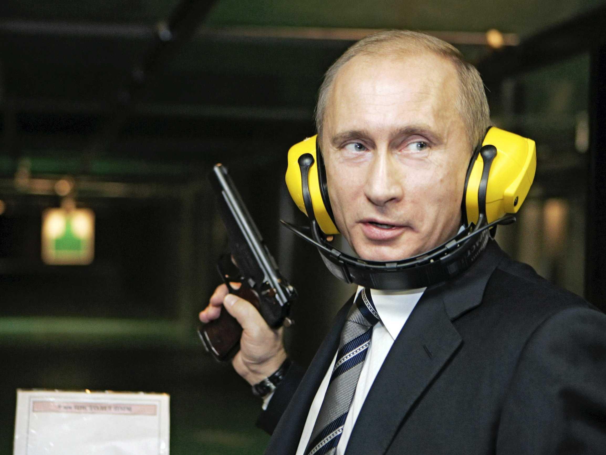 Americans love Putin for destroying Daesh: US analyst