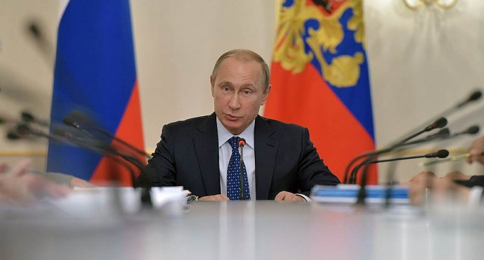 "Putin: the collapse of ruble opens up ""new opportunities"""