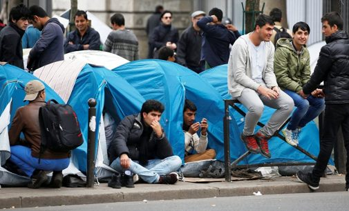 Paris Police Taking Away Blankets From Migrants Sleeping Rough on Streets – MSF
