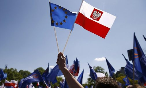 'Political Suicide': Poland Unlikely to Have Referendum on Leaving EU