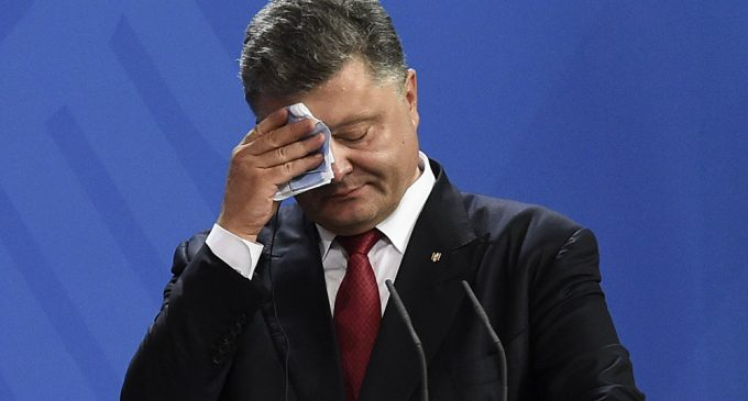 Poroshenko Loses It, Says Ukraine Last Bastion Against Russian Attack on Europe