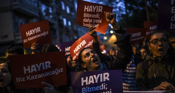 A supporter of the No gestures and chants slogans as he holds a placard reading No during a march at the Kadikoy district in Istanbul on April 17, 2017 to protest following the results in a nationwide referendum that will determine Turkey's future destinyThousands of Turks Protest Constitution Referendum Results