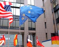 EU Unlikely to Stand Against US Sanctions on Russia Despite Economic Risks