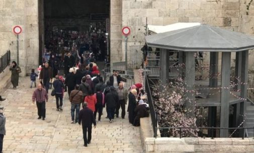 Israel installs checkpoints at popular Old City gate, sparks Palestinian anger