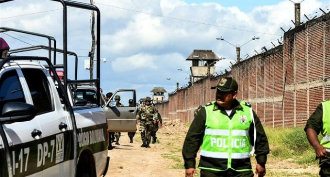 Police raid prison in Bolivia to 'regain control,' 6 killed