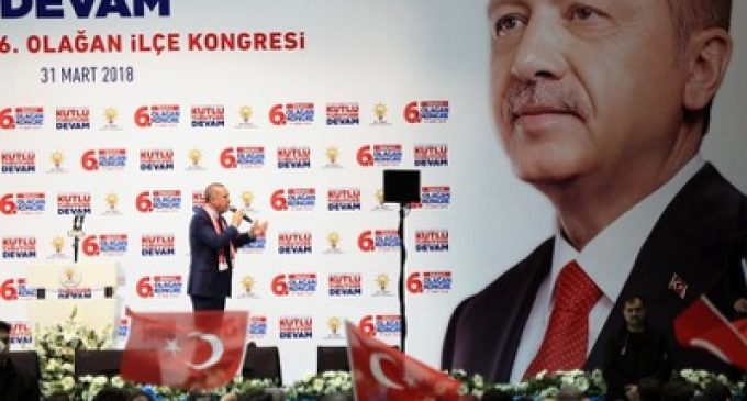 Erdoğan forces the Prime Minister of Kosovo to retain his Head of Secret Services