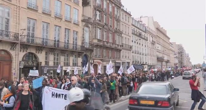 Parisians protest asylum bill before parliament debate