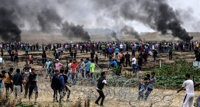 Gaza: Israeli forces continue their deadly assault against protesters