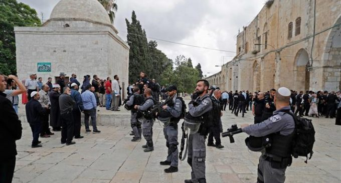 Israeli settlers break into al-Aqsa Mosque compound, provoke Palestinians
