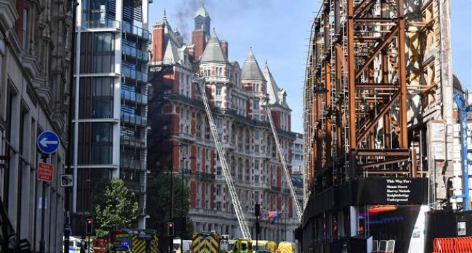 Fire breaks out at London's Mandarin Oriental hotel