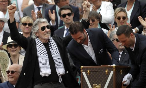 Keffiyeh-Clad Roger Waters Scores Point for Palestinian Cause at French Open