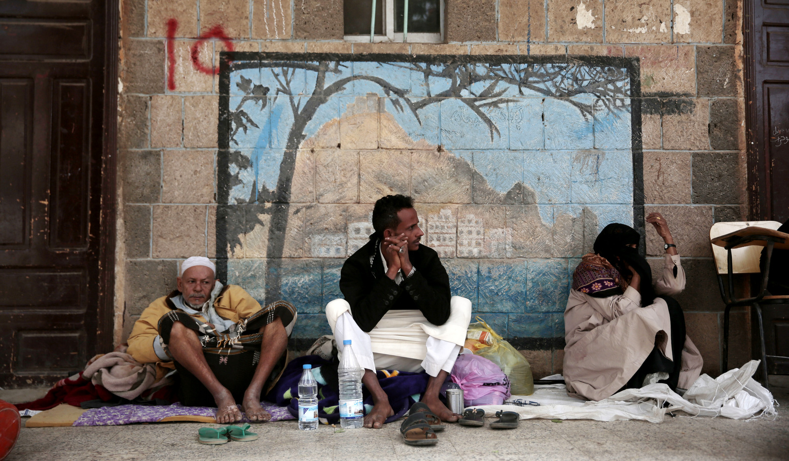"""Nowhere to Run"": Chaotic Exodus as Yemenis Flee Saudi-UAE Hodeida Bombardment"