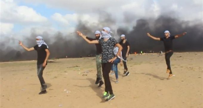 Gazans dance 'Dabke' to protest Israeli occupation