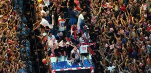 Croatia: 550,000 fans welcome Croatian team in Zagreb