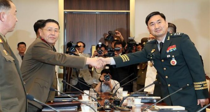 Two Koreas work toward easing border tension