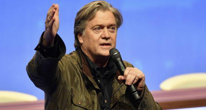 Steve Bannon to Advise Brazil's Far-Right Presidential Candidate