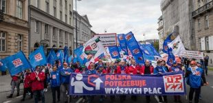 Poland: Thousands march for higher wages in Warsaw