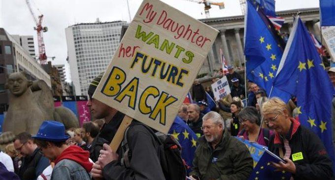 Mass rally held in UK's Birmingham against Brexit