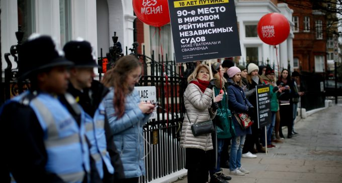 Prominent British Neocon Think Tank Claims Half of UK's Russians Are Kremlin Moles