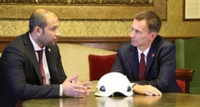 Jeremy Hunt meets leader of the Syrian White Helmets