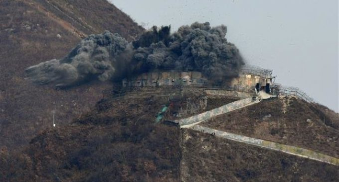 South Korea demolishes guard posts, pushes peace with North Korea