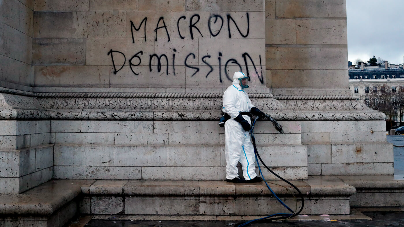 Yellow Vests Rise Against Neo-Liberal 'King' Macron