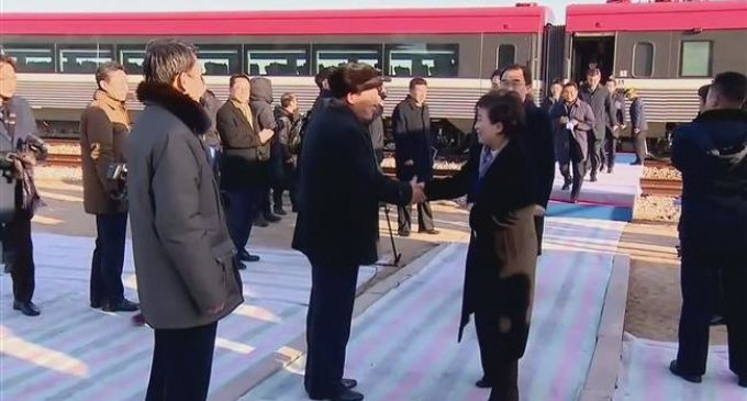 Koreas celebrate groundbreaking on road and rail connection