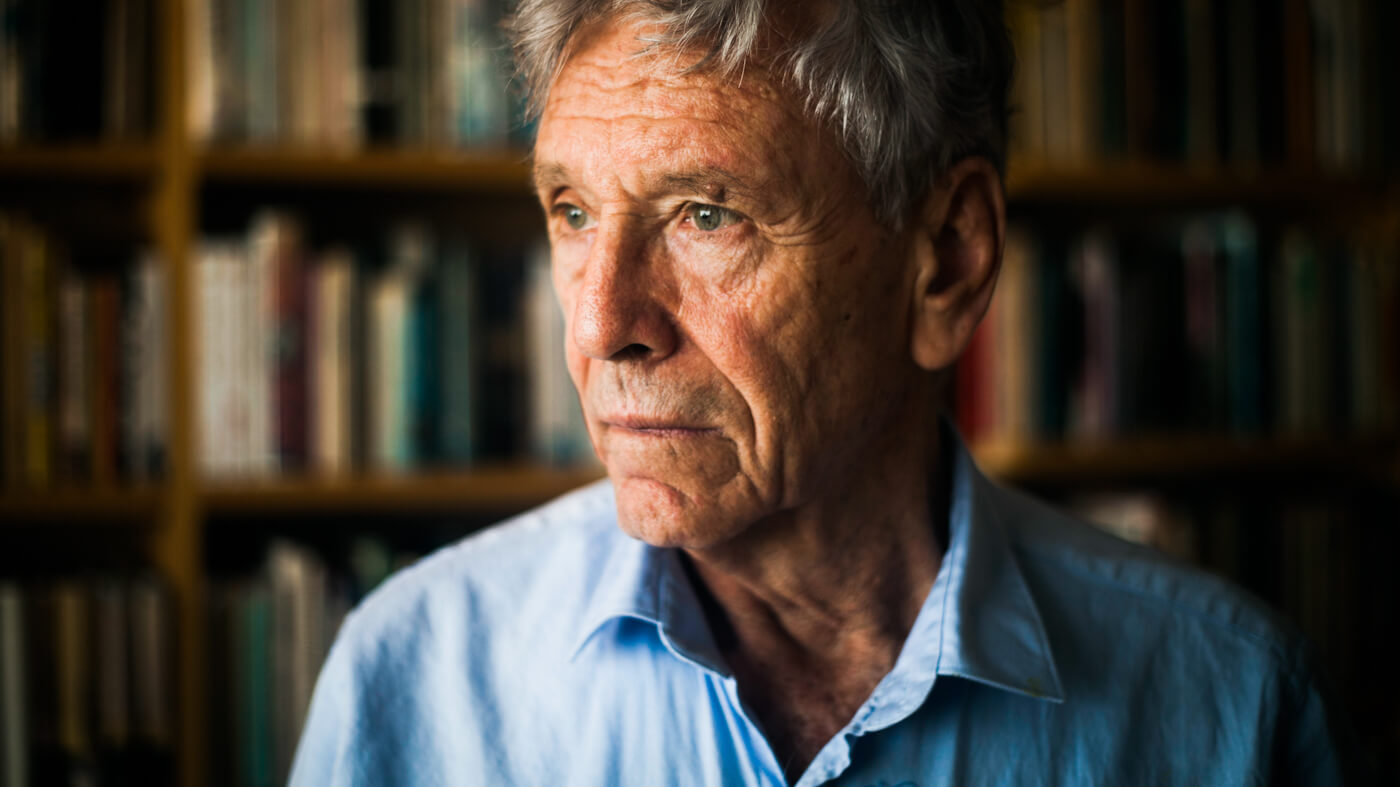 """Amos Oz Remembered: The Sharp Talons of a Zionist """"Dove"""""""