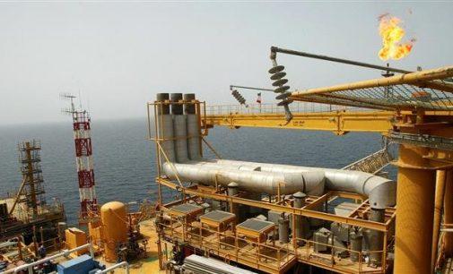 China offers Iran $3bn oilfield deal despite US sanctions: Wall Street Journal