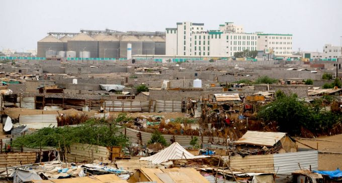 Saudis Ignore Yemen Truce, Bomb Displaced Persons' Camp and Food Silos