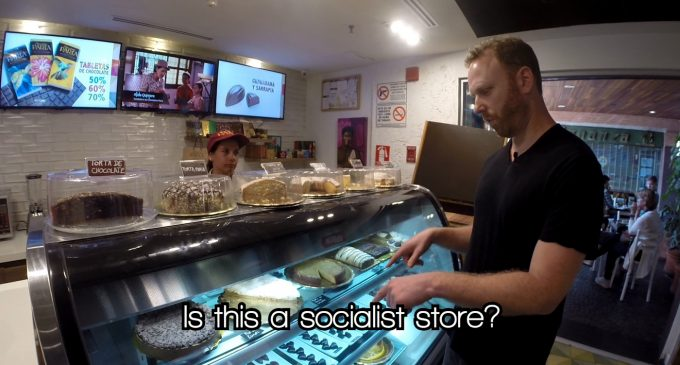 Max Blumenthal Searches for Communist Dictatorship at Venezuelan Luxury Mall