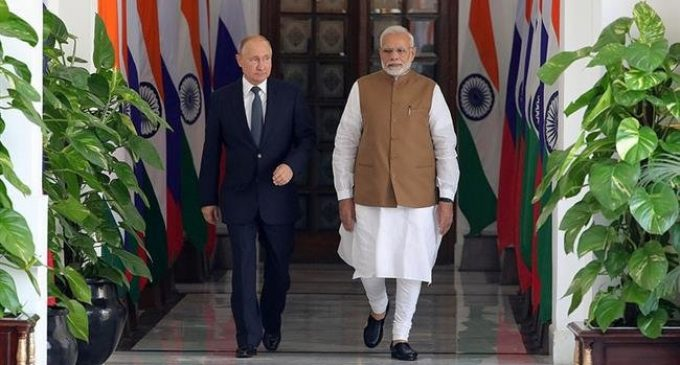 India inks deal on Russian submarine despite US sanctions