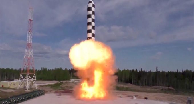 Russian comment on US plans to conduct missile tests on intercepting an ICBM