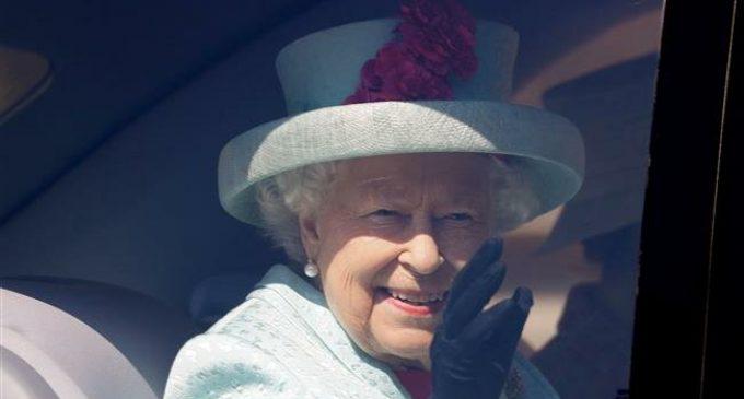 Lawmaker challenges British Queen's authority over Wales