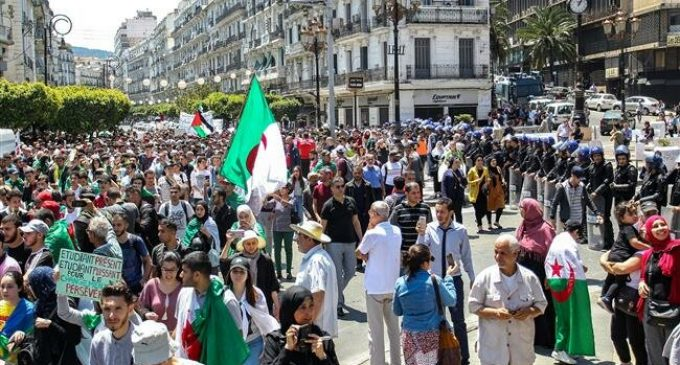 Algerian students remain opposed to election, claim radical change
