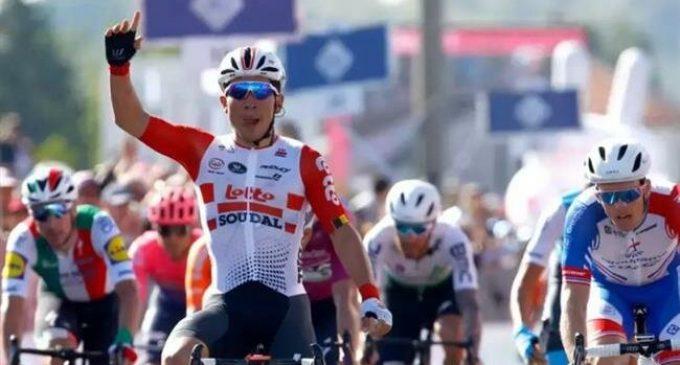 Giro D'Italia: Ewan wins Stage 11