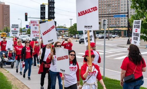 Nurses picket Twin Cites hospitals, fighting for decent contract