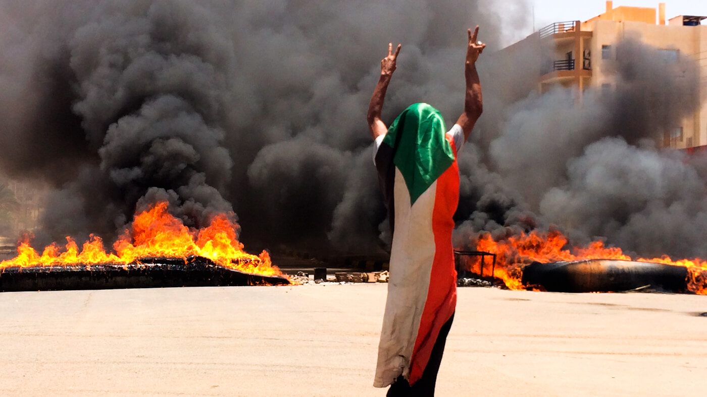 Robert Fisk: Sudan Protesters Were Right to Fear the Arrival of Saudi and UAE Money
