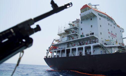 Veteran Navy Officer Exposes Flaws in US Version of Iran Oil Tanker Narrative