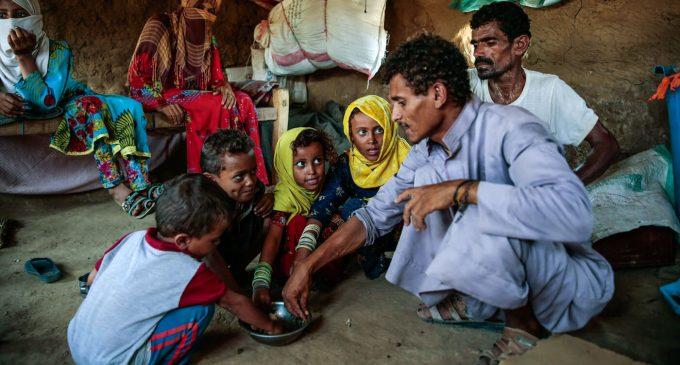As Yemen Starves, International Aid Agencies Play Politics With Food