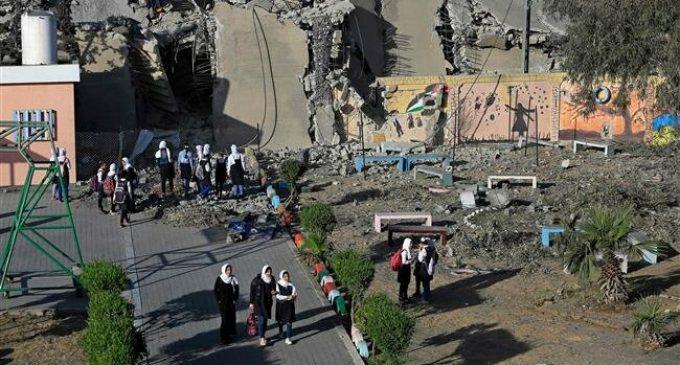 Israeli blockade threatens Gazan students' future