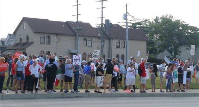 Hundreds protest President Trump's visit to Dayton, Ohio